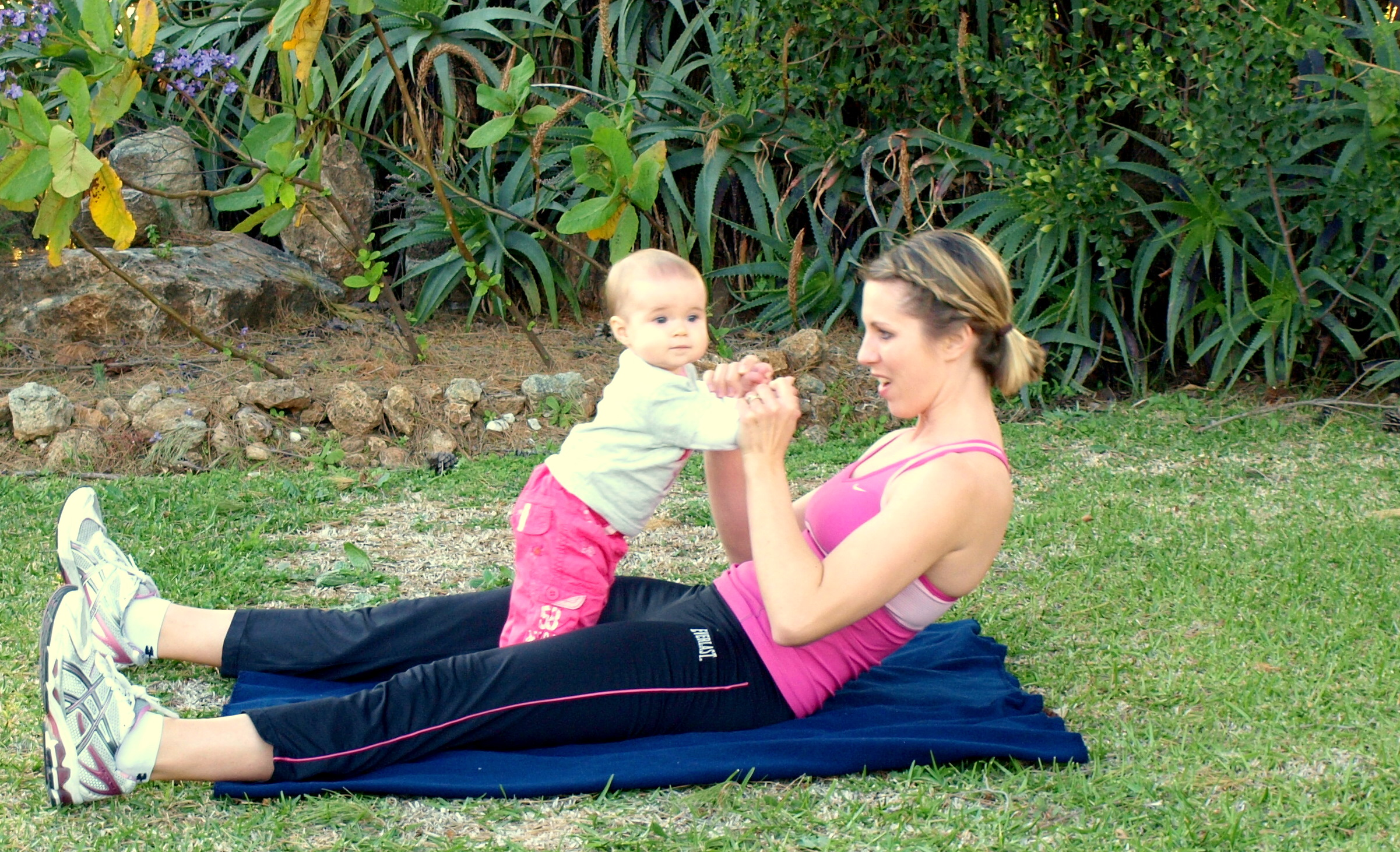 Mommy & Baby Moves: Pilates Rollup | kristensfitnessnook